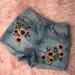 Topshop Moto Mom Floral Embroidered Denim Shorts